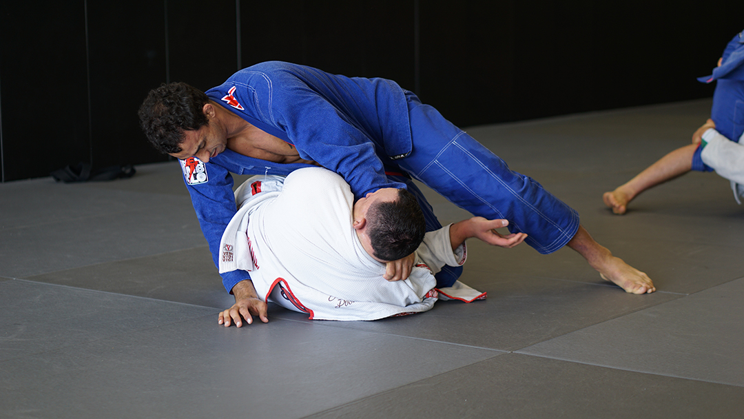 Romulo Knee Slide Guard Pass