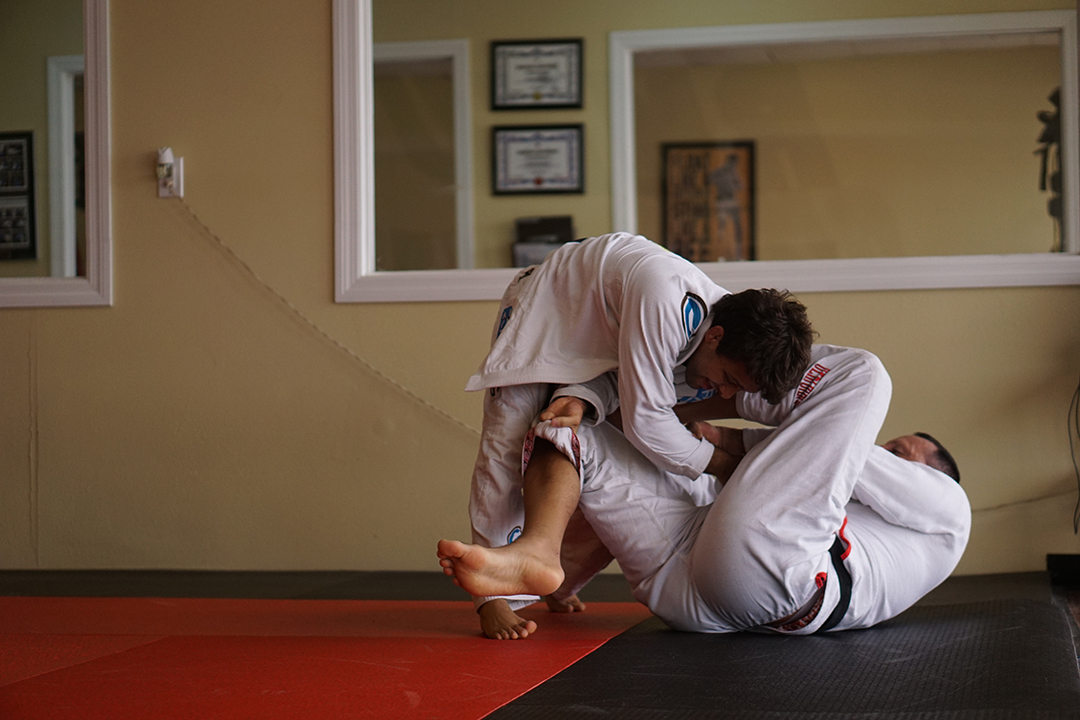Open guard against Robson Moura