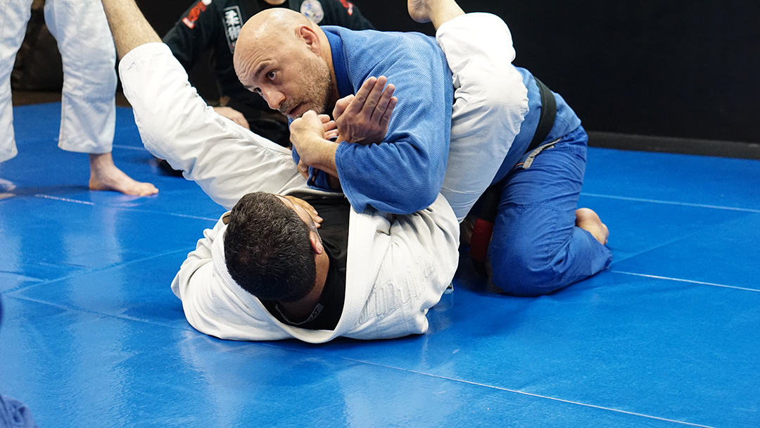 Armbar defense detail grip