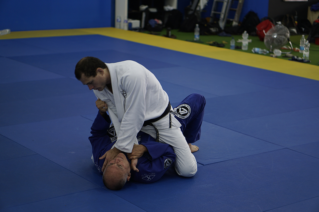 mauricio-mount-collar-defense-time-to-roll