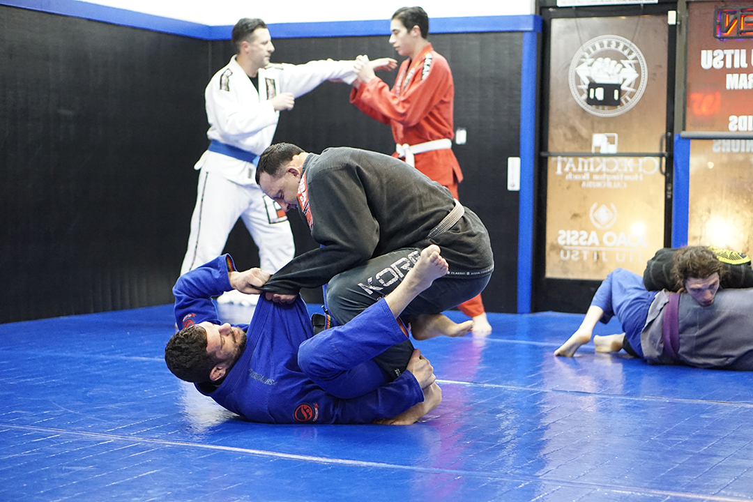 tom mcmahon rolling with joao assis 1